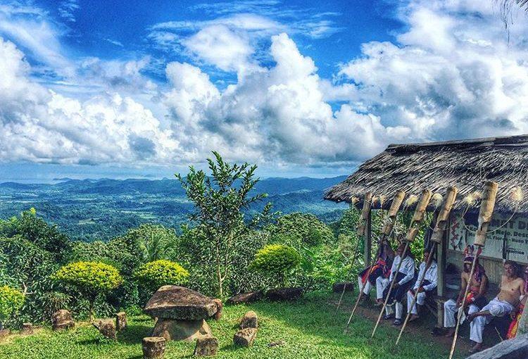 Mengintip Keindahan Labuan Bajo dengan Cara Kunjungi Kampung Adat Melo